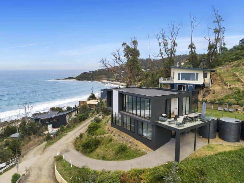 Iluka Blue Luxury Holiday Home in Separation Creek overlooking the ocean