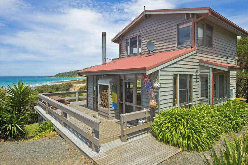 The Surf Shack Holiday Home in Separation Creek overlooking the ocean